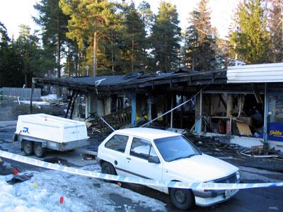 Kaivokselan ostoskeskus 31.3.2004.